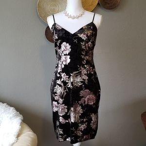 Guess- Black foil floral body con dress
